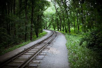 Dean-Railway (Shutterstock, Daniilantiq)