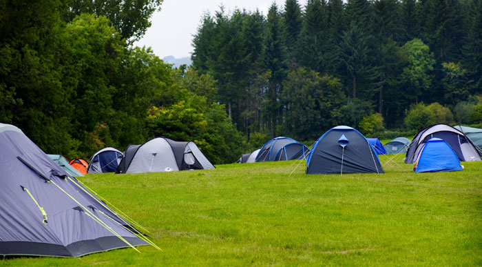 Group-camping-Roundhill
