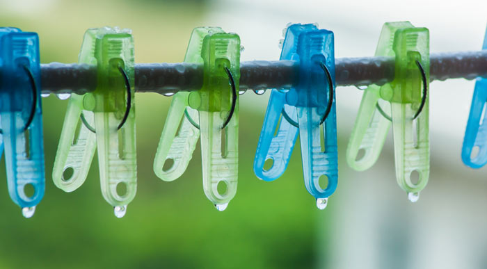 Wet-clothes pegs (Shutterstock, chaphot)