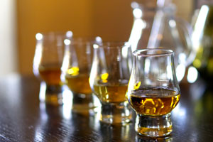 glasses-of-scottish-whiskey (shutterstock, Tana888)