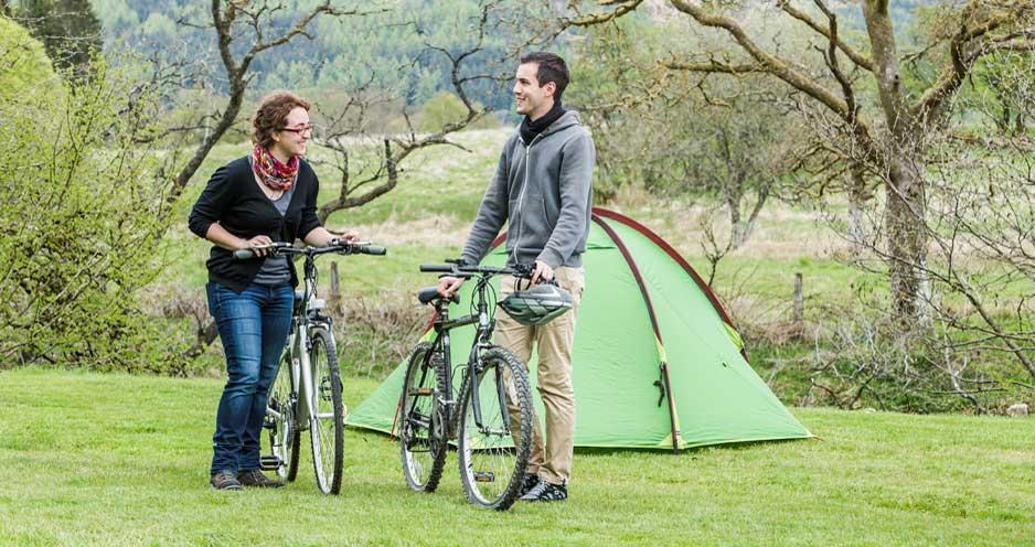 Cobleland-campsite-cyclists
